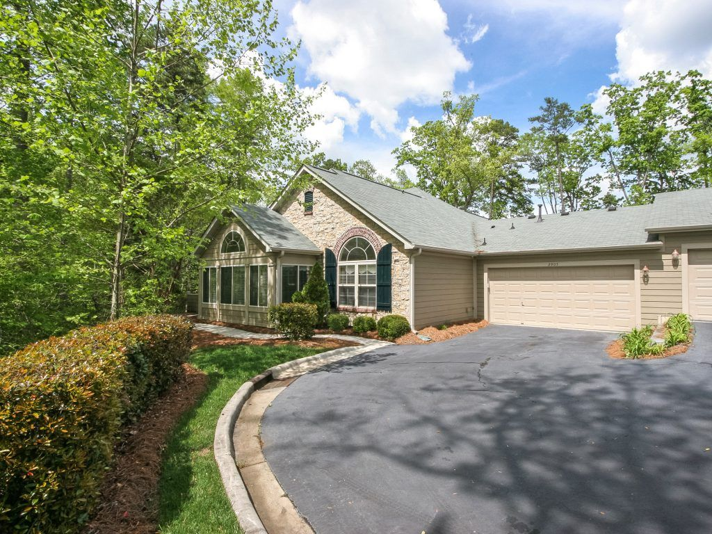 Ranch and patio homes in Matthews NC